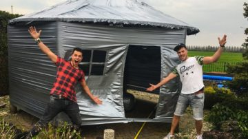 Prankster | SUPER VET DUCT TAPE HUIS!